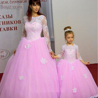 New Pink Puffy Tulle Mother and Daughter Gowns For Wedding Long Sleeve With Appliques Flower Girls Dresses Free Shipping