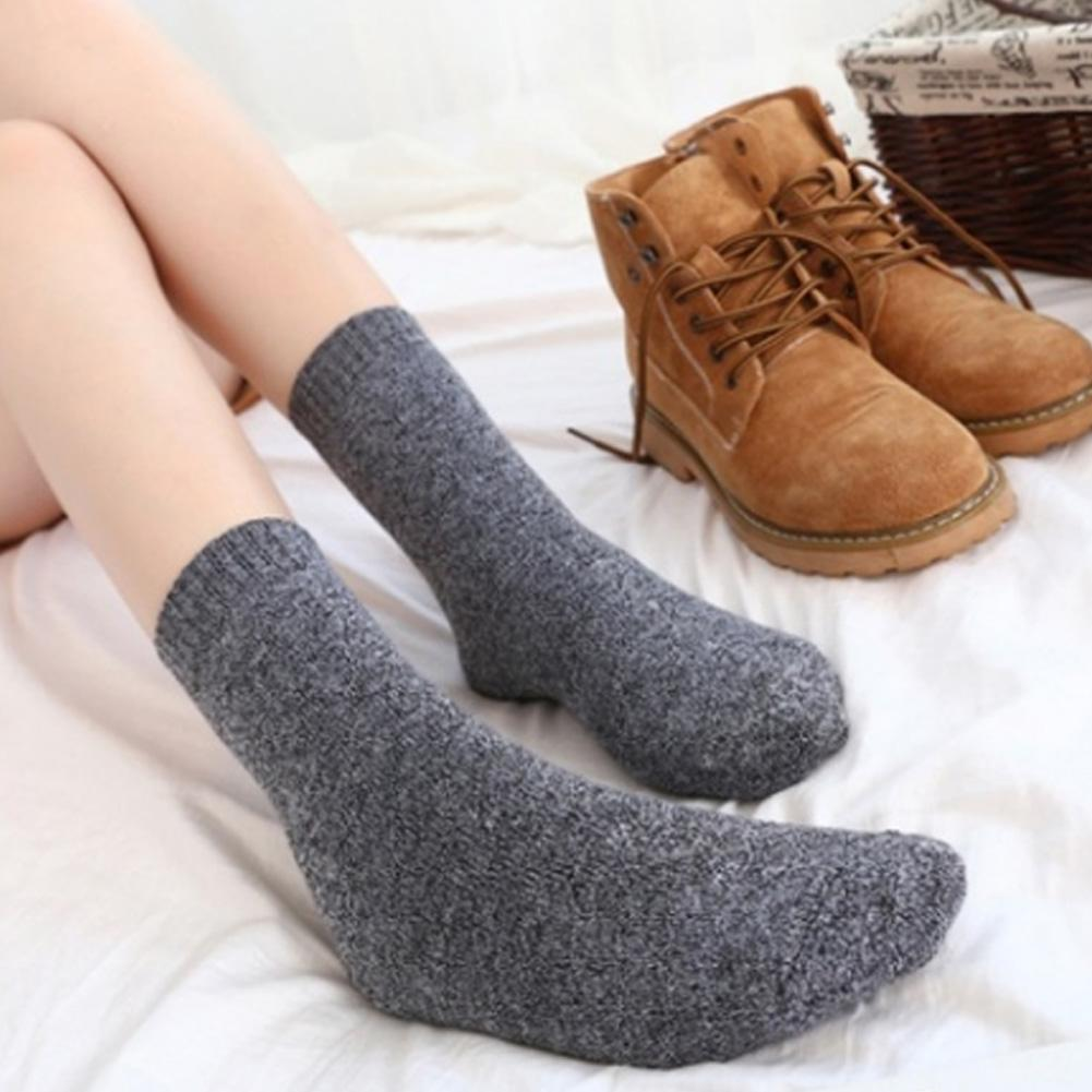Wholesale 10 Pairs Mixed Solid Color Women Winter Thick Warm Stretchy Middle Tube Socks