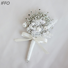 Iffo European and American style high end custom bridal jewelry hand holding flowers groom jewelry corsage