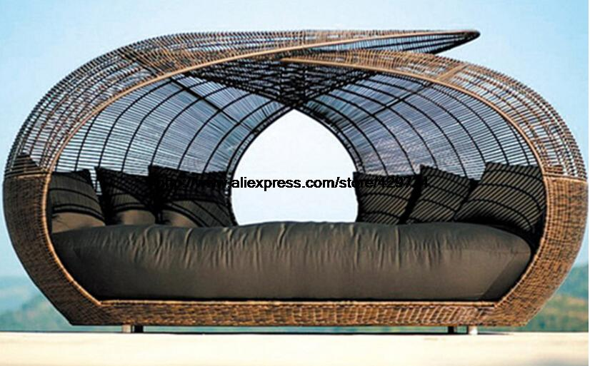 € 1836.89 |Creative rond rotin lit loisirs couché salon plage chaise  piscine chaise lit jardin rotin canapé lit meubles de luxe-in Jardin  Canapés from ...
