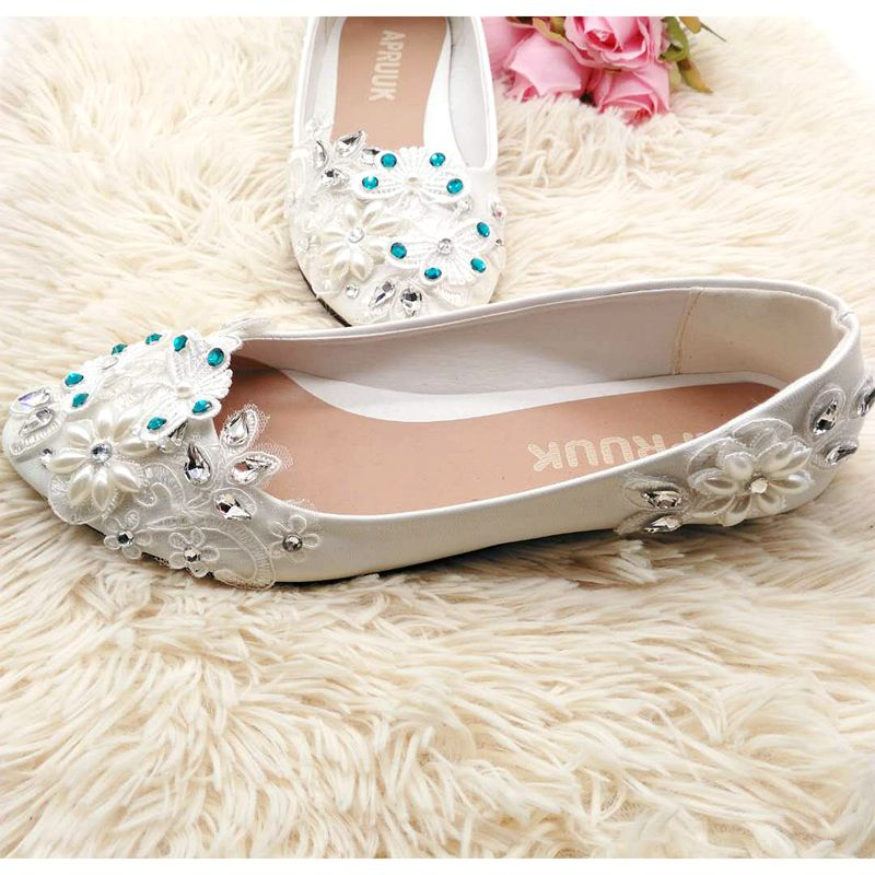 Flat wedding shoes woman sweet handmade lace pearls woman ballet flats  brides shoes plus size bridal shoes-in Women s Flats from Shoes on  Aliexpress.com ... 70e76c4c8592
