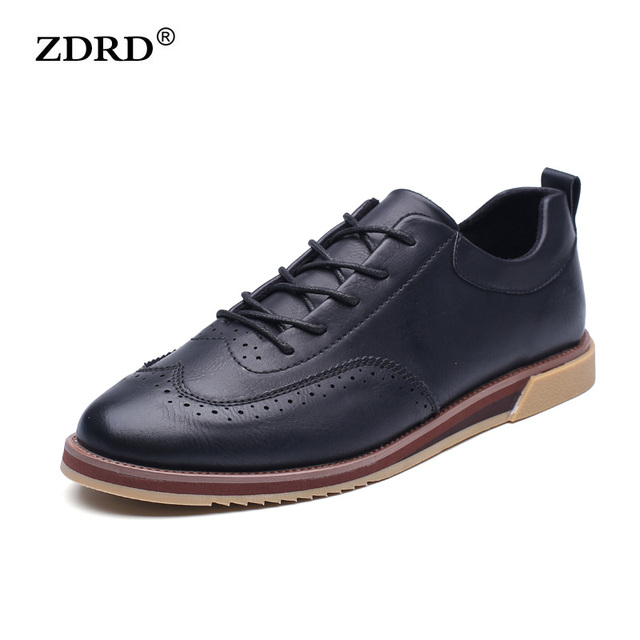 2016 Fashion British Style Men Flats Shoes Breathable PU Leather Men Brogues Shoes Lace-Up Black Men Oxfords Shoes Party Shoes