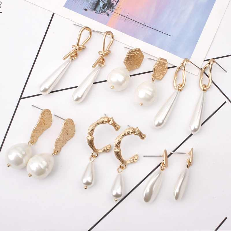 Women GeometricTwisted Shell Pearl Pendant Earrings Simple Wild Irregular Metal Earrings Ladies Temperament Gold Earrings