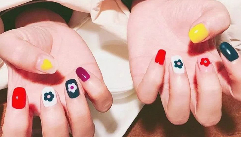 Nail Sticker Kim Hyun A Style Nail Decal Flower Strawberry Egg Spring and Summer Design Stickers Press on Nails Manicure