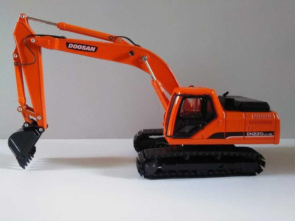 Diecast Model Toy Decoration 1:40 Doosan DH220LC-9E Hydraulic Excavators Construction Machinery Toy For Collection