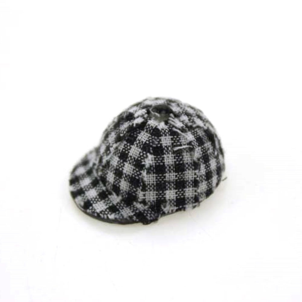 1/12 Dollhouse Miniature Accessories Mini Resin Chequer Hats  Simulation  Model Toys For Doll House Decoration