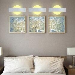 Nowoczesny kreatywny przy łóżku sypialnia kinkiet 8W okrągły księżyc akrylowy kryty Led ściana dekoracja świetlna płaskie naścienne światła Led