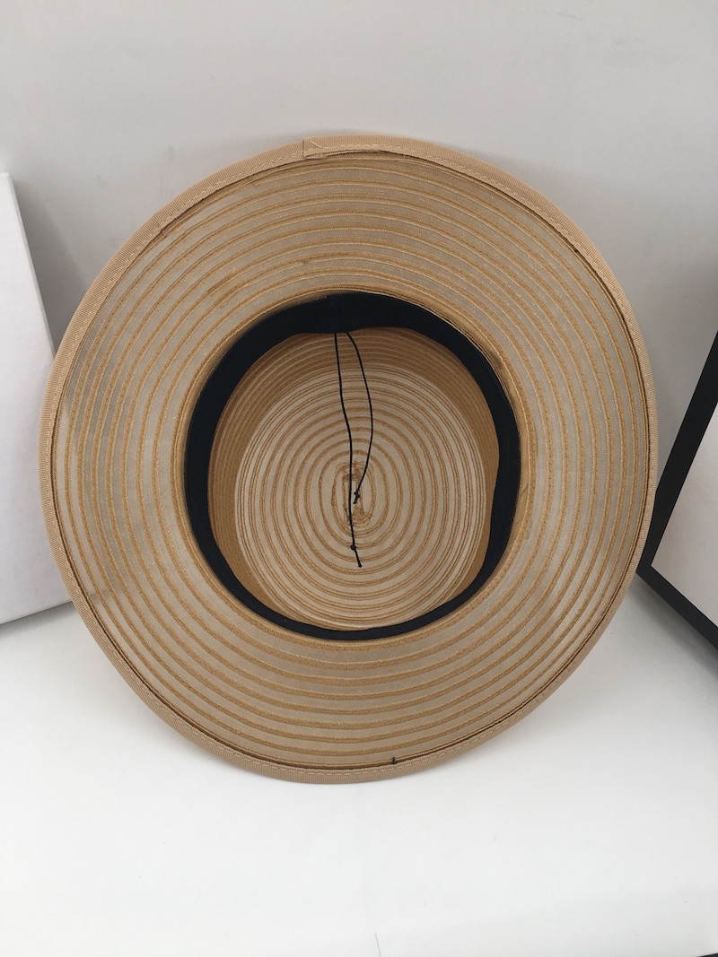 Chapeau Or organza haut de forme
