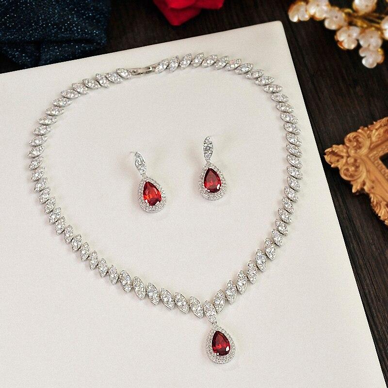 Ensembles de bijoux de mariée élégant charme classique strass goutte d'eau bijoux de mariage colliers et boucles d'oreilles en Zircon cubique