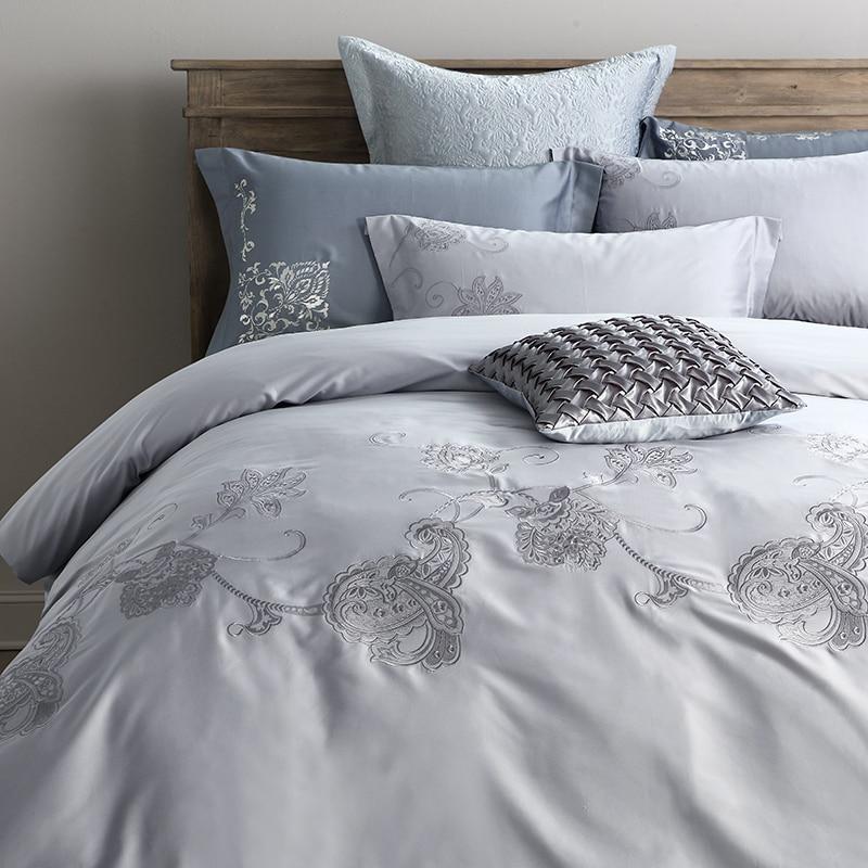 2017 100 Cotton New Design Luxury Bedding Set Embroidery