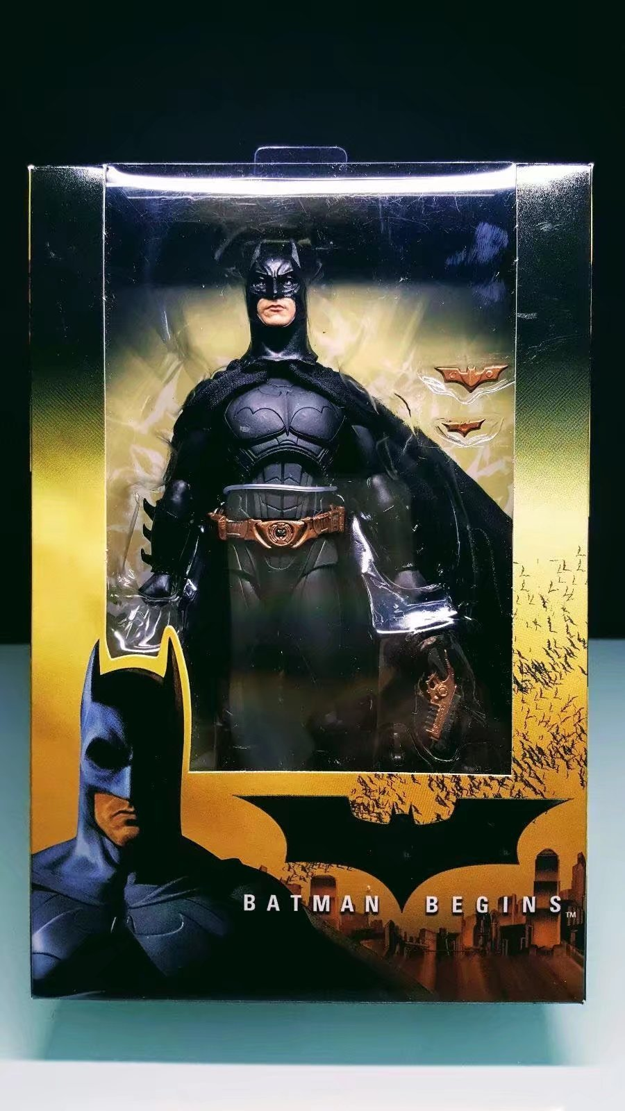 NECA Batman Begins Bruce Wayne PVC Action Figure Collectible Model Toy 7inch 18cm neca heroes of the storm dominion ghost nova pvc action figure collectible model toy 15cm