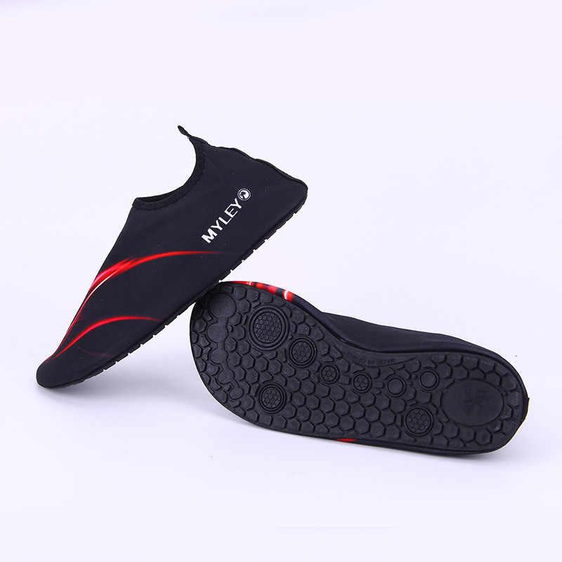 Yüzme su ayakkabısı erkekler ve kadınlar plaj kamp ayakkabıları yetişkin Unisex düz yumuşak yürüyüş sevgilisi yoga ayakkabı sneakers zapatos de mujer