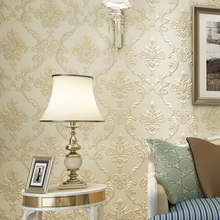 купить Relief European Luxury Embossed Non Woven Texture 3D Damask Wallpaper Non Woven Wall Paper Roll For Living Room Bedroom Walls  по цене 2288.06 рублей