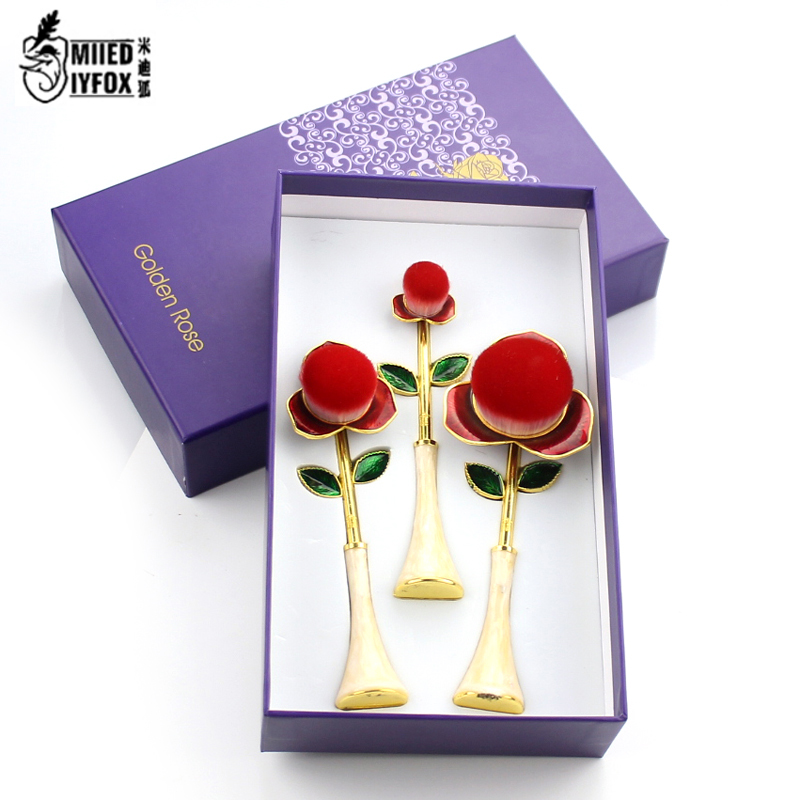 3pcs/SetBeauty and Beast Prince Rose Makeup Brush Toothbrush Foundation Power Eyeshadow Cosmetic Blender Trimming Powder Brush new store free shipping beauty and the beast rose gold makeup brush cosmetic brush woman gift eyeshadow contour concealer