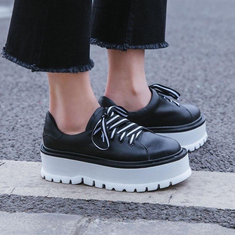 Femmes Printemps blanc Marque En Chaussures Plate Noir Occasionnels Des Appartements forme Mode Sneakers Cuir {zorssar} 2018 Nouveau Plates Confortables UEBnFwxqqX