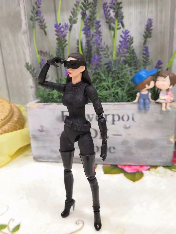 15CM Anime figure The avanger Batman Selina Kyle Catwoman movable action figure collectible model toys