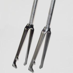Image 2 - All2016 3k carbon fiber bicycle front fork carbon fiber front fork road bicycle front Disc brake fork bicycle parts 700C 1 1/8