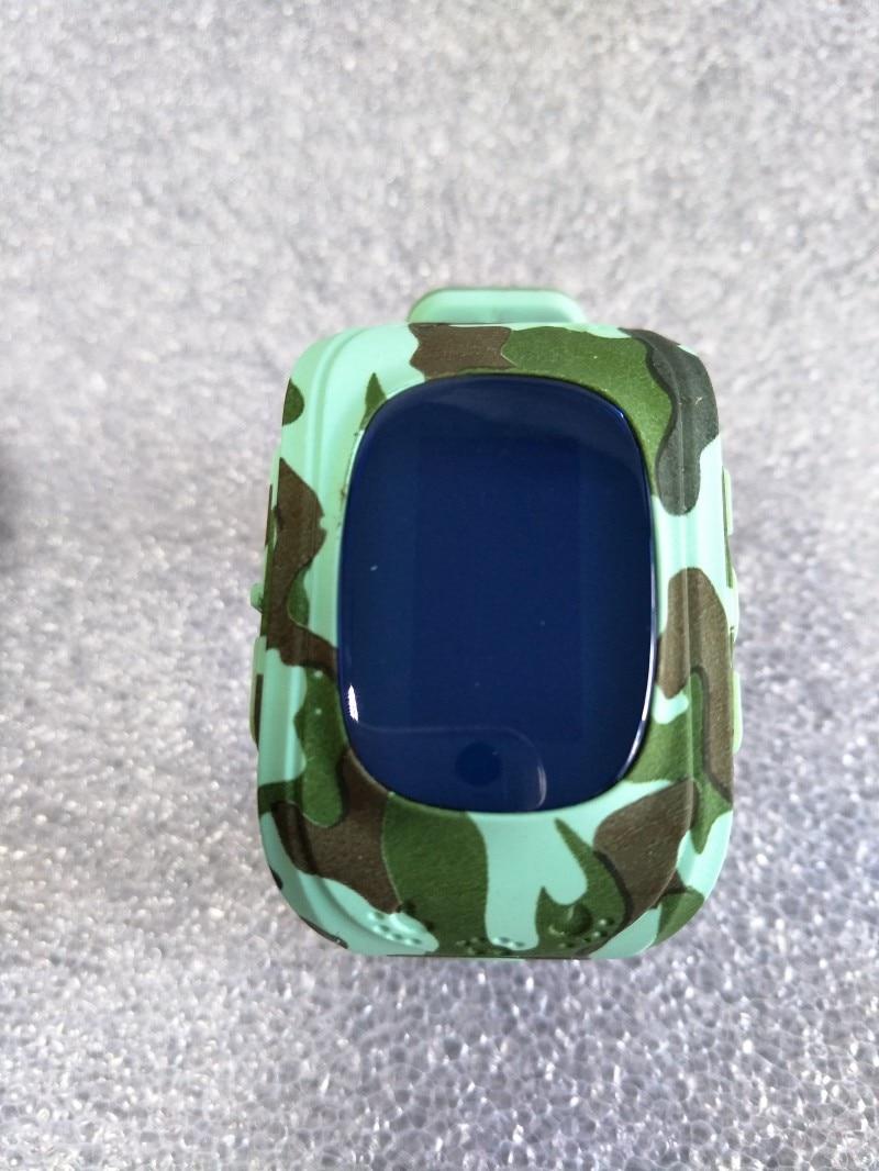 Prix pour 1 pcs 2017 Nouveau Camouflage Q50 GPS Tracking Watch Pour Les Enfants SOS D'urgence Smart watch Dispositifs Portables OLED Finder Locator Tracker