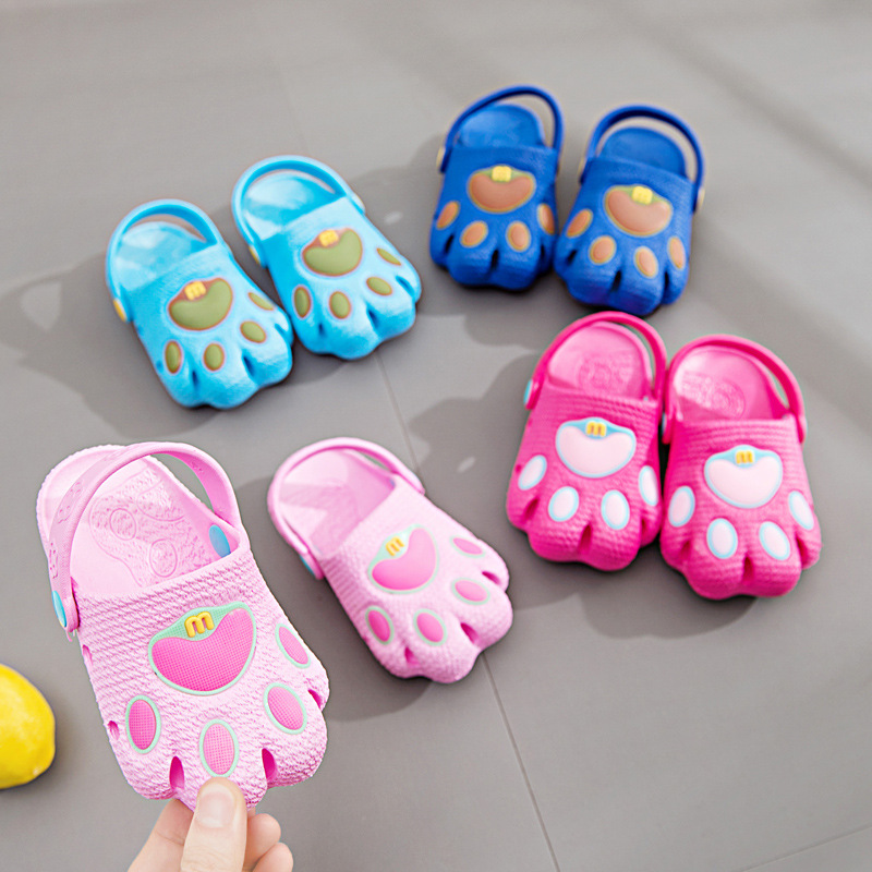 2019 New Summer Children's Sandals Cute Dog Feet Cartoon Soft Sole Baby Walking Shoes Hole Beach Baotou Shoes image