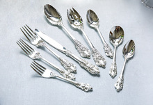 9 Pieces Silver Flatware Set Dinner Knives Spoons Forks Cutlery Set Silverware Dinnerware Tableware Set