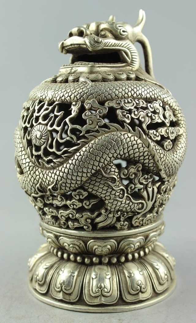 Old Handwork Tibet silver carved Dragon plate Tengyun driving fog CenserOld Handwork Tibet silver carved Dragon plate Tengyun driving fog Censer