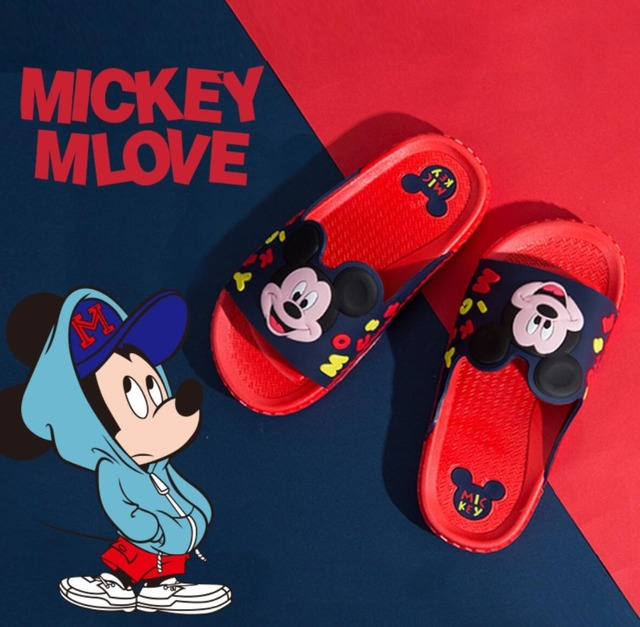a7d77be5c7eb Disney Brand Girls Slippers Minnie Mouse Shoes Children Barefoot Beach  Bathing Anti-slip Slippers Summer