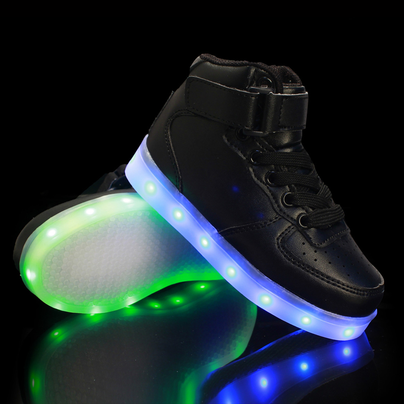 Junge Mädchen LED blinkende Schuhe leuchten leuchtende Kinderschuhe leuchtende Turnschuhe Kinder Led Hausschuhe Neon Korb Sneaker fühlte Stiefel