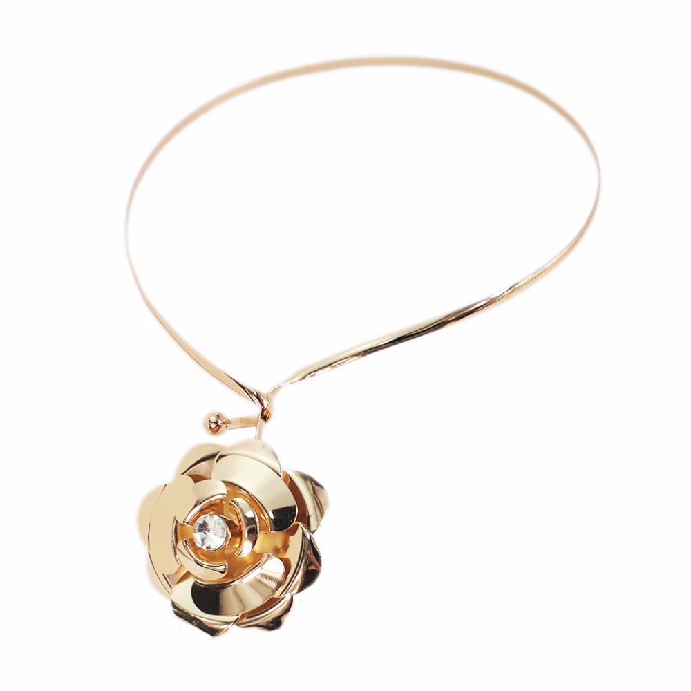 Alloy Rhinestone Torques Choker Necklace For Women Statement Charm Flower Pendants Necklaces Jewelry Golden Silver Color in Pendant Necklaces from Jewelry Accessories