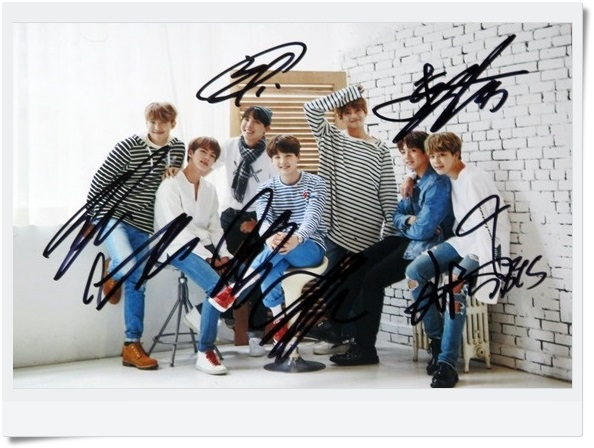 signed  BTS autographed group photo K-POP  6 inches  freeshipping  09201701