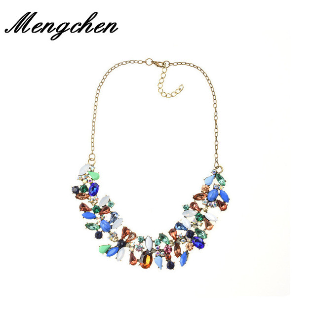 New Multicolored Petal Crystal Collarbone Chain Wedding Jewelry Geometric  Fashion Charm Statement Necklace Pendant For Women ab423b1ff036