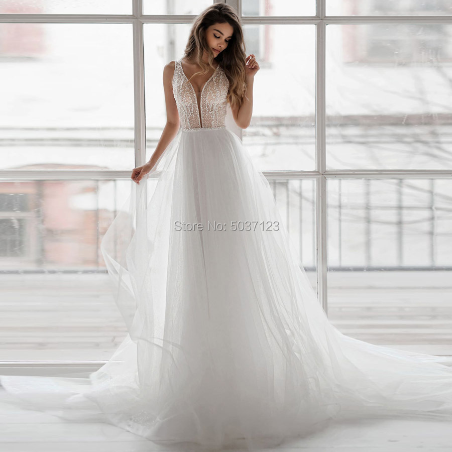 Sparkling Beach A Line Tulle Wedding Dresses Vestido De Noiva V Neck Sleeveless Open Back Court Train Bridal Gowns