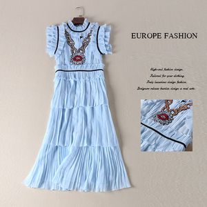 Image 5 - カジュアルドレス新ファッションノースリーブスパンコールハイストリート夏の高級プリーツブルーエレガントなデザイナーのドレス