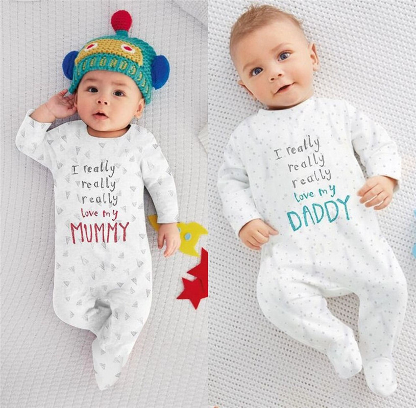 цена Hot sale I love Mum Dad Newborn Baby Boy Girl 100cm Cotton Sleepsuit Letter онлайн в 2017 году