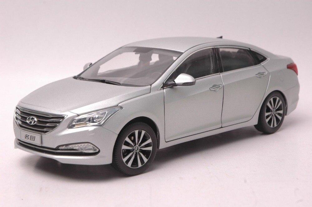 1:18 Diecast Model for Hyundai MISTRA Silver Alloy Toy Car Collection CRV CR V 1 18 otto renault espace ph 1 2000 1 car model reynolds