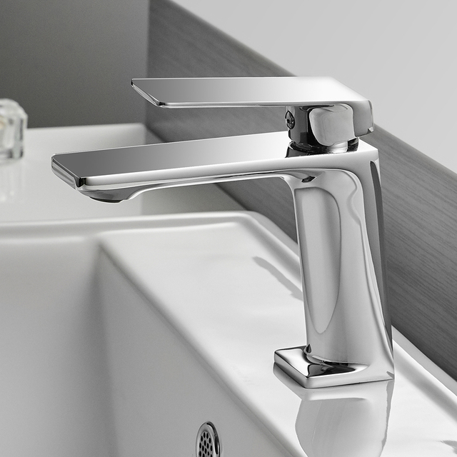Black/ Chrome – 6.10 inch Bathroom Sink Faucet