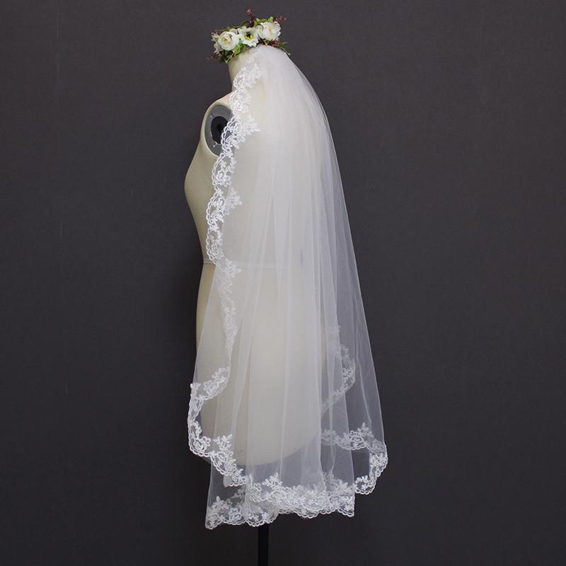 MERMAIDFUN New Elegant Lace Edge Short Wedding Veils with Comb 2018 Real Photos Bridal Veil for Bride 2