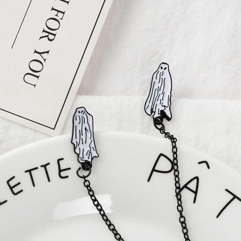 Beetlejuice Tidak Ada Kaki Pin Hantu Bros Kerah Pin Halloween Perhiasan Gothic Perhiasan untuk Pria Wanita Unisex