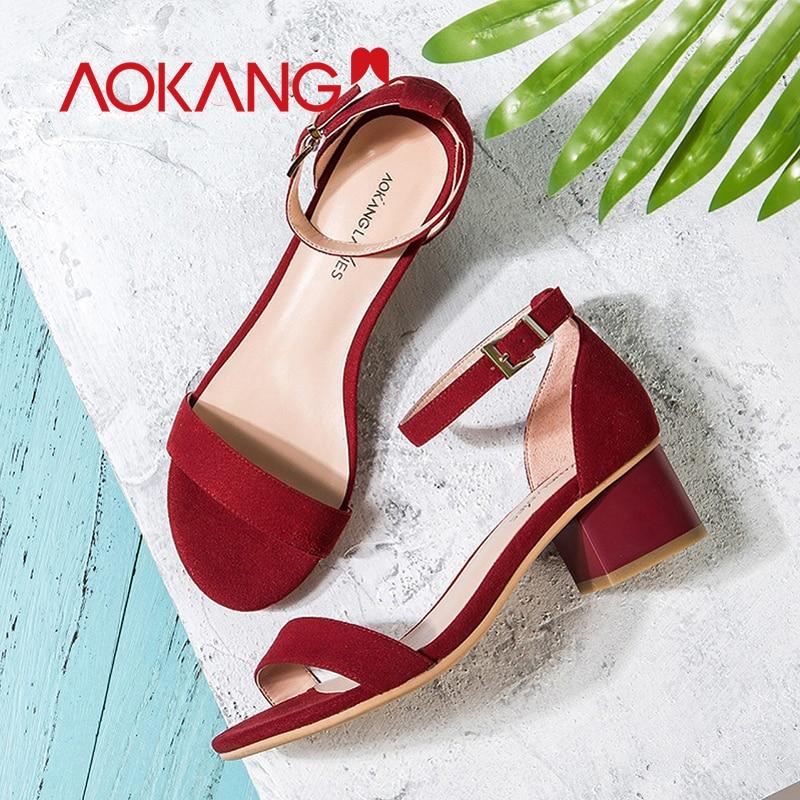 AOKANG أحذية الصيف النساء الأحذية الجلدية حقيقية أزياء الصيف المرأة الصنادل المرأة عالية الكعب أحذية شحن مجاني