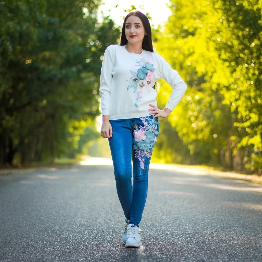 Mooirue Autumn Women Flower Matching Sets Sweet Embroidery Knitting T-shirt+Slim Pencil Jeans Female White Pink Two Piece Outfit