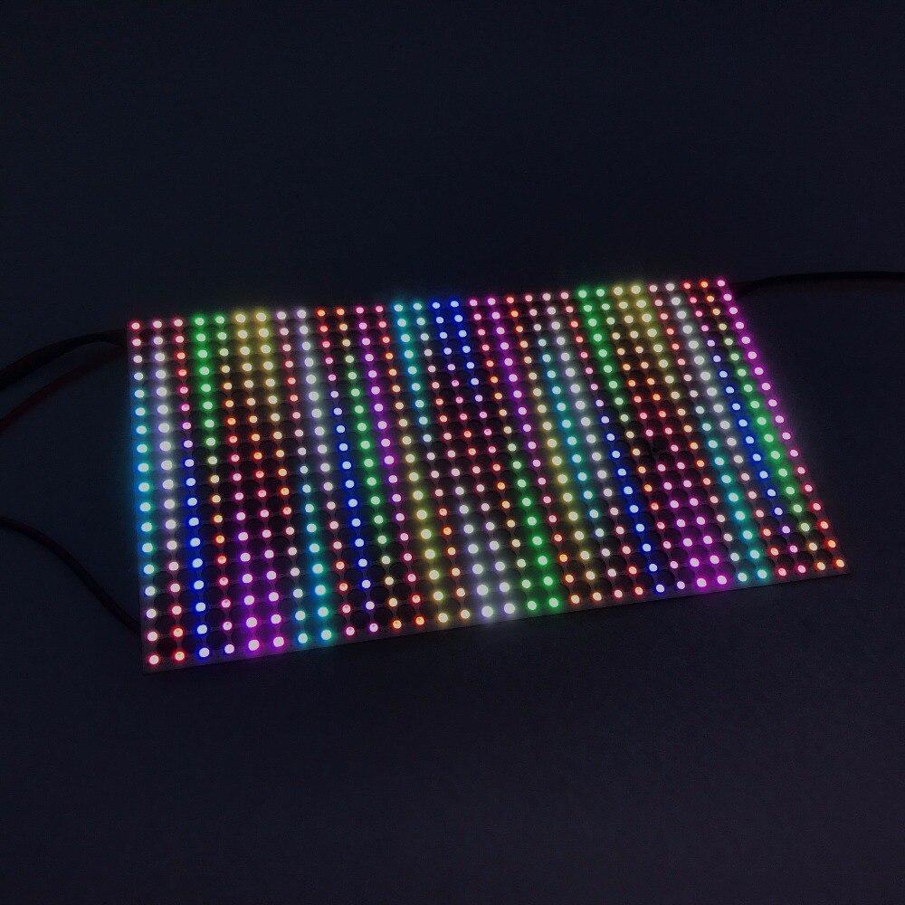 P9823F-2020 SMD P5mm 18*32 pixels led adressable panneau lumineux rigide, PCB noir, taille: 90 cm * 160 cm, entrée DC5V