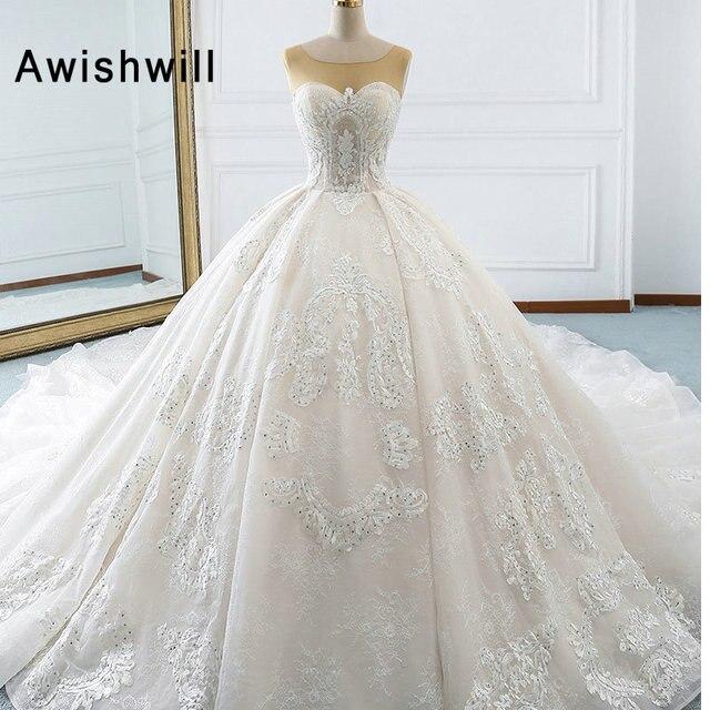 2019 Gorgeous Appliques Scoop Neck Ball Gown Wedding Dress Luxury Beaded  Lace Princess Bridal Dress Vestido de Noiva Plus Size 0c84962fa769