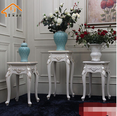 Multilayer composite. The solid wood flower. A sitting room be born of carve patterns or designs on woodwork. Flowerpot shelf.