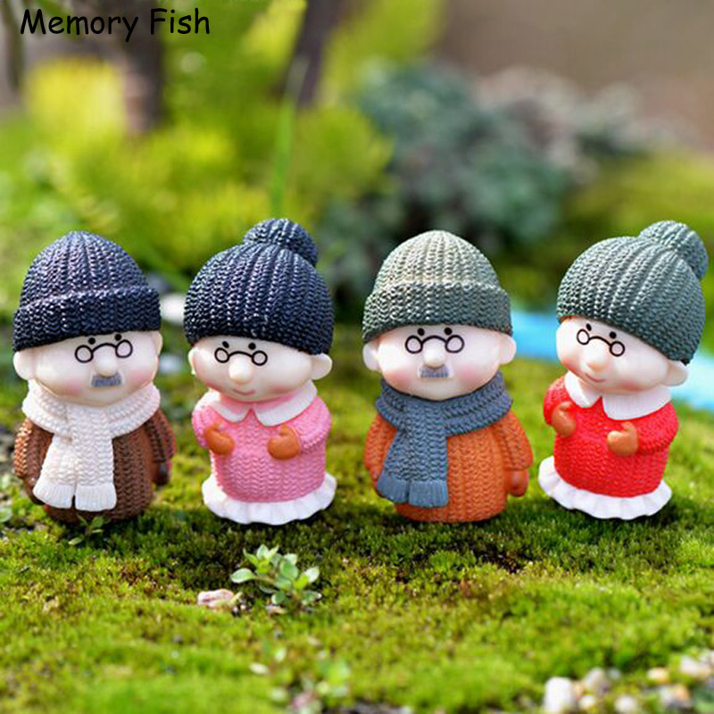 Dollhouse Miniatures In Las Vegas: Mini Cartoon Winter Old People Model Dolls Action Figures