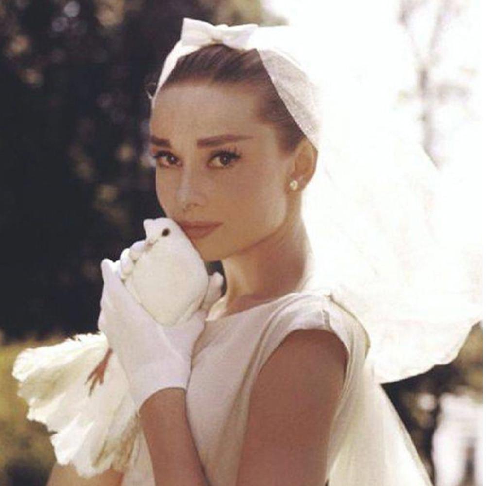 2019 Short Vintage Bridal Wedding Veils Tulle Pearl 2 Layers Bow Hepburn Veils For Brides Voile De Mariage Velo De Novia Perles
