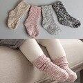 Color de la mezcla de Algodón Calcetines de Los Niños Niñas niños Calcetines Calcetines de Bebé Tobillo Longitud de Invierno Gruesa Calcetines 1 Par para 0-4 años