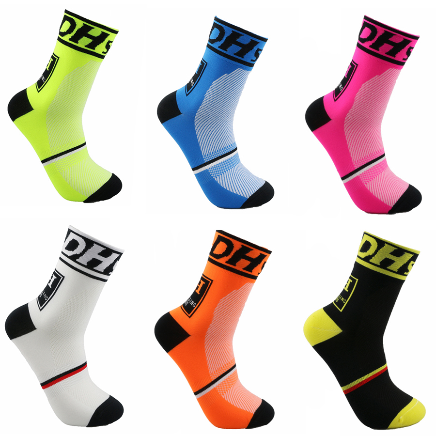 DH Sports Nye Sykler Sokker Toppkvalitet Profesjonell Brand Sport Sokker Breathable Bicycle Sock Outdoor Racing Big Size Menn Kvinner