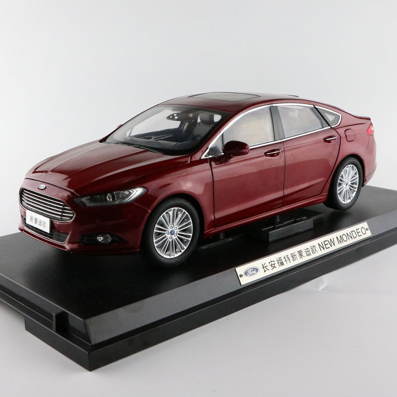 1:18 Scale Diecast Model Car for Ford Mondeo Fusion 2013 Red SUV Alloy Toy Car Collection Gifts 1 18 scale red jeep wrangler willys alloy diecast model car off road vehicle model toys for children gifts collections