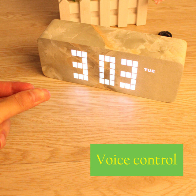 https://ae01.alicdn.com/kf/HTB18BbDSXXXXXaIXpXXq6xXFXXXn/Slaapkamer-klokken-LED-Houten-Wekkers-met-Thermometer-Rechthoek-Tafel-Digitale-Klok-Classic-LED-ultra-moderne-Houten.jpg_640x640.jpg