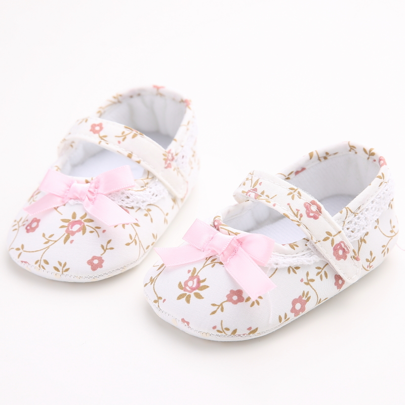 Lovely floral newborn baby girl shoes pink flower and bowknot white lovely floral newborn baby girl shoes pink flower and bowknot white lace kids shoes zapatos nina meisjes schoenen infant walker in first walkers from mother mightylinksfo