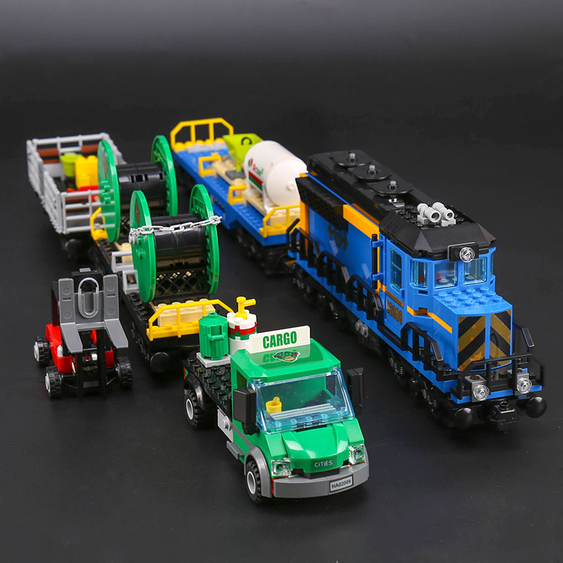 959Pcs DIY Model The Cargo Train Set Genuine City Series Building Blocks Bricks Educational Toys Children Christmas Gift 12 pcs set diy figures city policeman fireman magician teacher nurse building blocks toys kids educational city set child gift